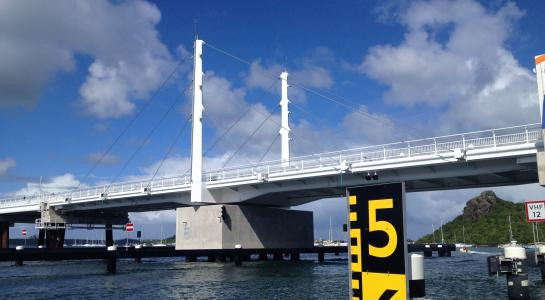 Hydraulic system for the Simpson bay bridge