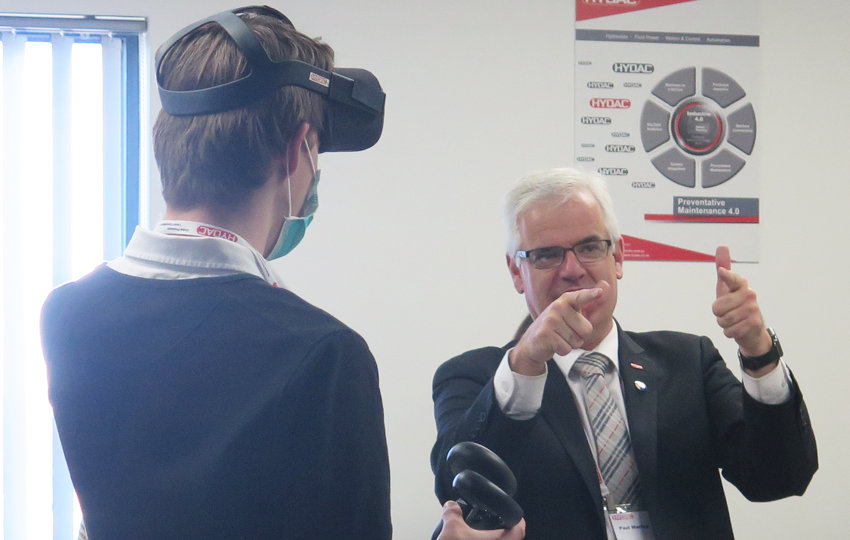HYDAC Facility tour and innovation day - VR training session